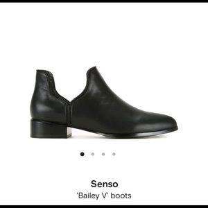 Senso Bailey V booties black with zipper trim 8.5